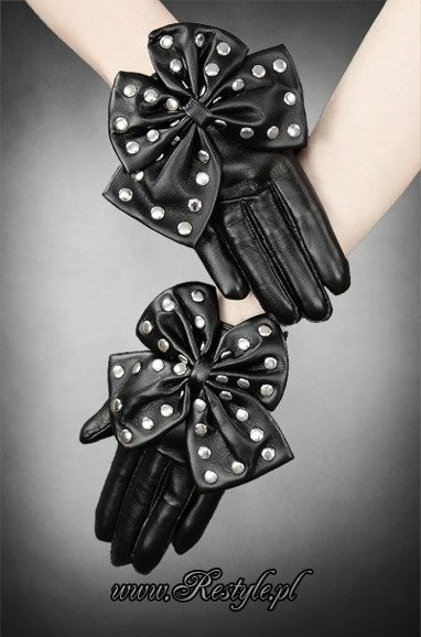 Faux leather gloves with studded bow, long fingers