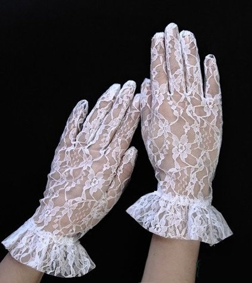White retro gloves with flowers